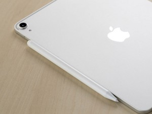 قلم لمسی آیپد مومکس مدل TP2W One Link Active Stylus Pen For iPad