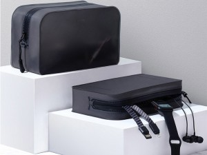 کیف دستی ضد آب بیسوس مدل TPU beautician receipt package LBZL-B01