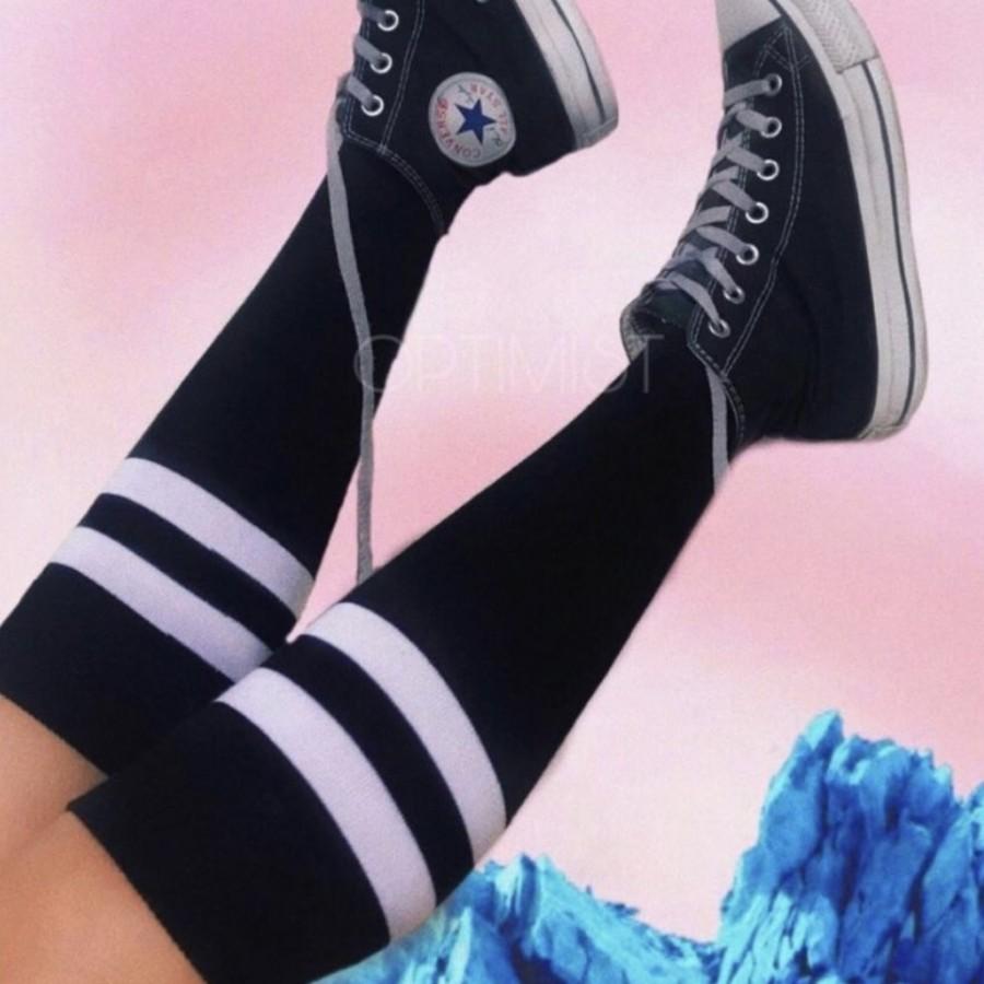 جوراب زیر زانو مشکیخطدار