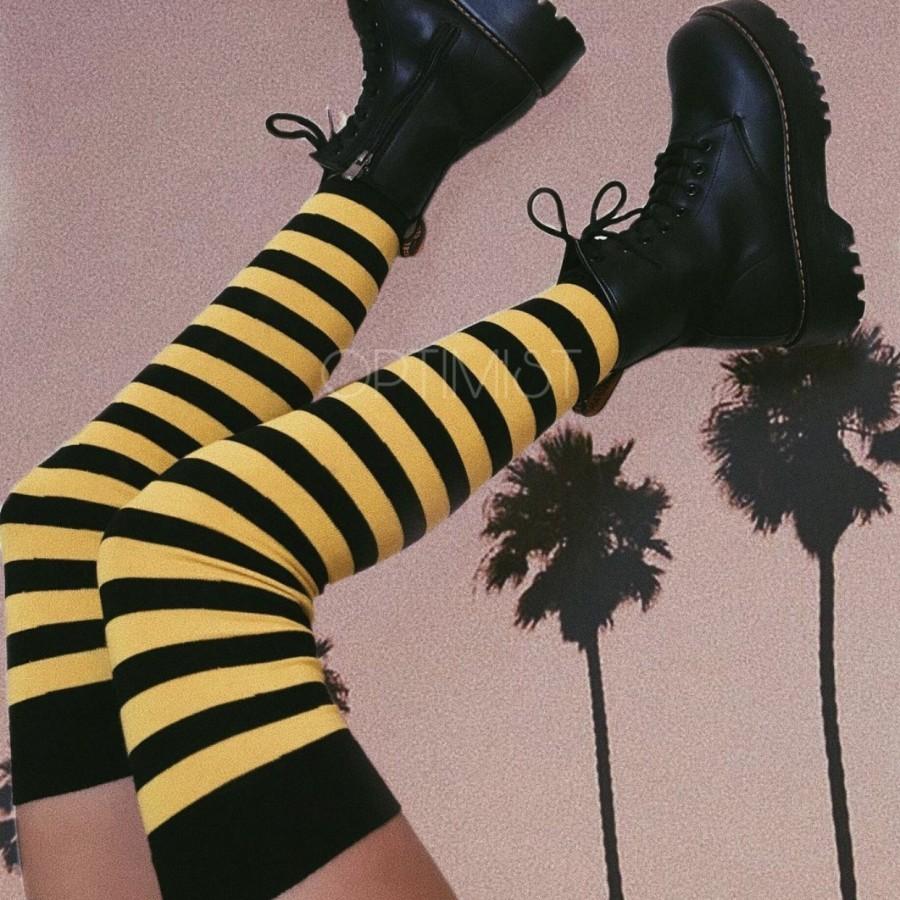 جوراب بالای زانو زنبوری