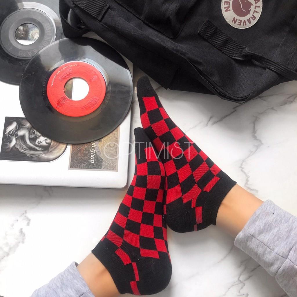 جوراب مچی طرح شطرنجی قرمز ومشکی