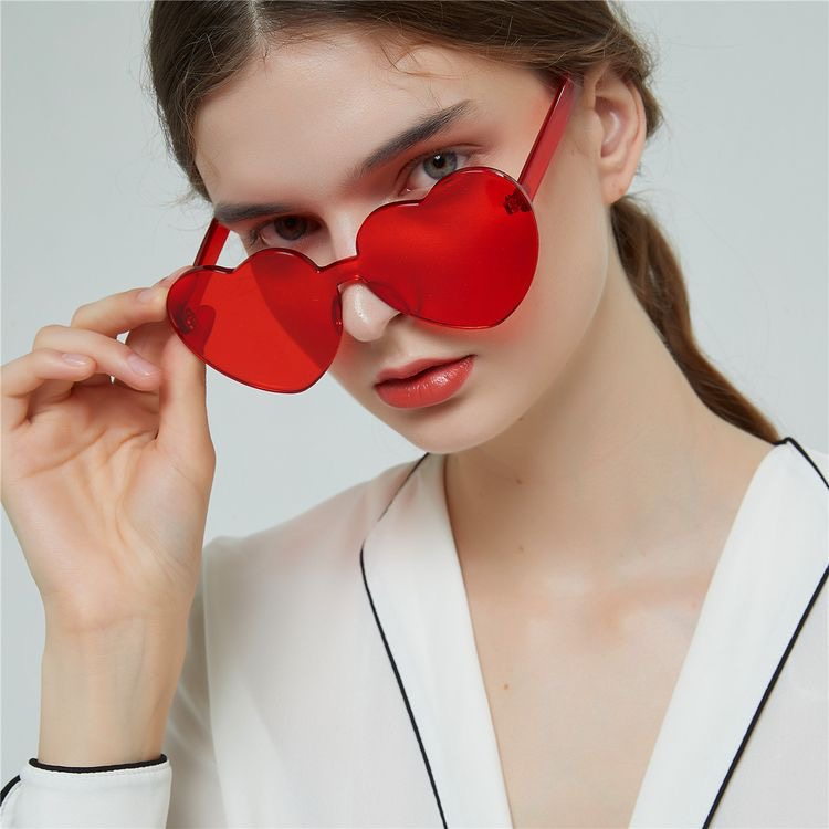 عینک آفتابی مدل Sertino-Heart-Red