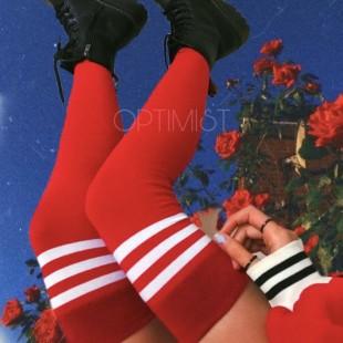 جوراب بالای زانو قرمز خطدار