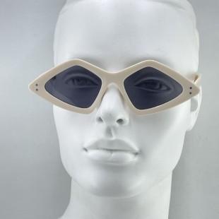 عینک مدل Dia-Bge