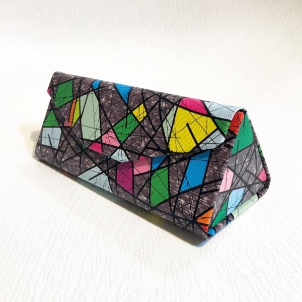 قاب مثلثی تاشو، طرح کوبیسم مدل G