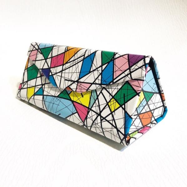 قاب مثلثی تاشو، طرح کوبیسم مدل Wht