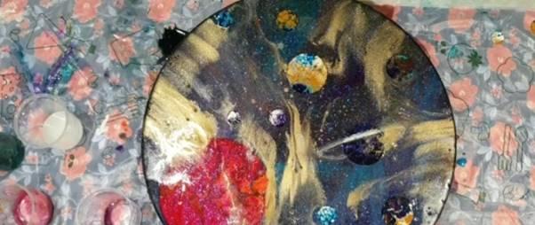 چگونه  تابلوی کهکشان رزینی درست کنیم
