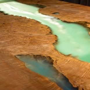 رزین اپوکسی OZ رقیق شفاف میز چوبی
