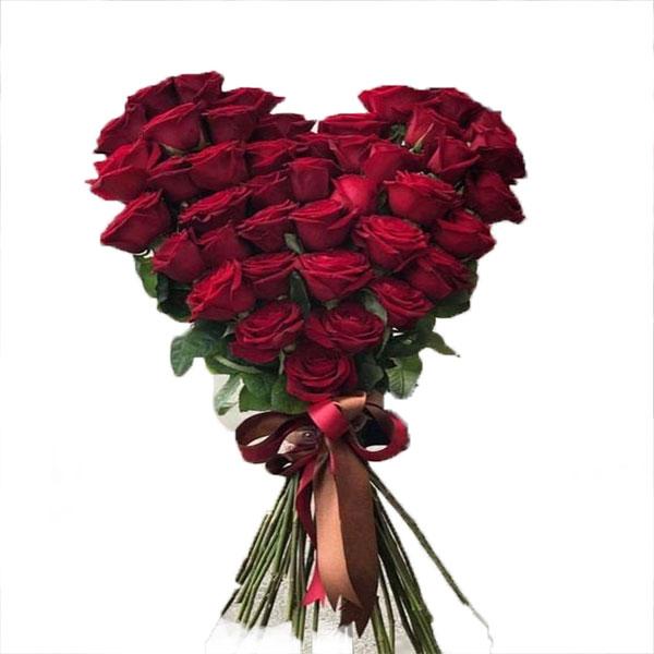 دسته گل رز با دیزاین قلب