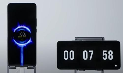 شارژ گوشی تنها در ۸دقیقه؛ رکورد جدید دنیای فناوری!