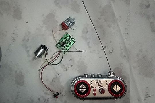 دسته کنترل و مدار ماشین کنترلی با  ولتاژ کاری 4.5 ولت