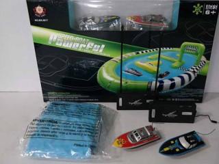 قایق کنترلی  دوتایی  mx/0017/1 ( با پیست قایق سواری بادی)