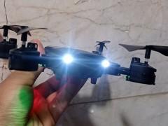 کوادکوپتر تاشو f84 همراه با دوربین آنلاین ، مجهز به پرواز و فرود آسان