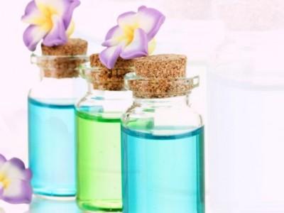 ترکیب عطر توسط خرده فروش یا پخش کنند گان دست چندم نیز یک تقلب است
