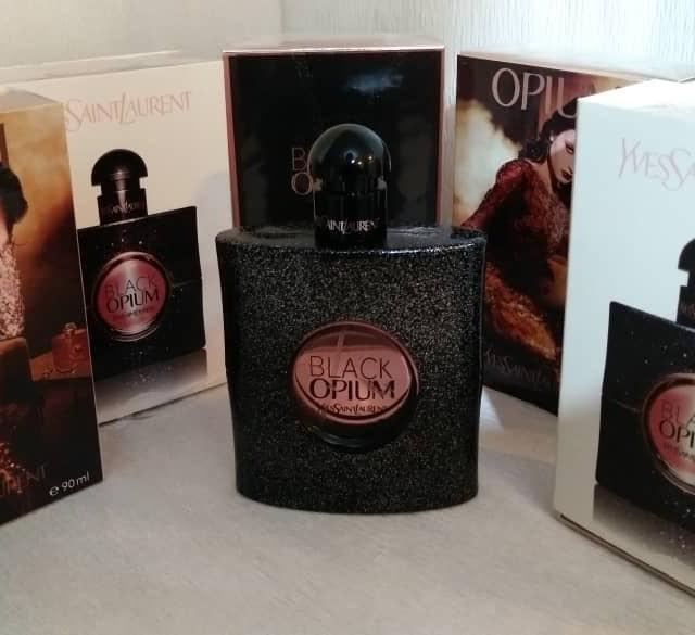 ادکلن اورجينال امارات زنانه ایو سن لوران مدل Black Opium حجم 90 میلی لیتر