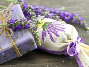 آموزش ساخت صابون خانگی با رایحه لیمو و نعنا