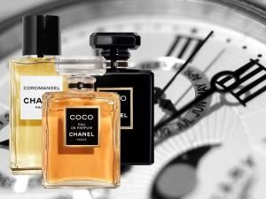 ۱۵ روش برای بیشتر کردن ماندگاری بوی عطر و ادکلن