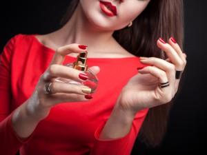 چگونه ماندگاری عطر را بر روی پوست خود افزایش دهیم ؟