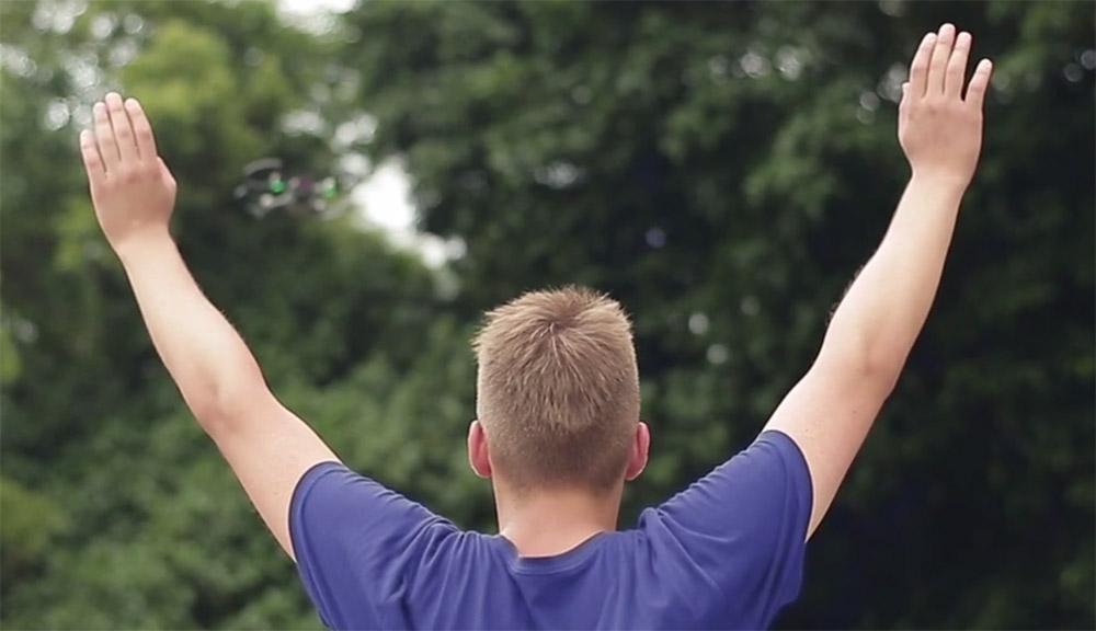 آموزش کنترل با دست اسپارک