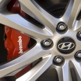 wheel_brembo_wallpaper_2010_hyundai_genesis_coupe_photo_gallery_pictures.jpg