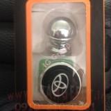 toyota-magnetic-mobile-holder+logo-1 (2).jpg