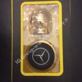 mercedes-benz-magnetic-mobile-holder-2.jpg