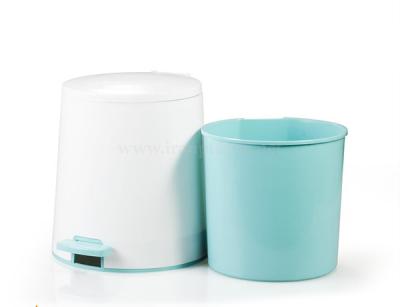 سطل پدالی ۵ لیتری بیتا پلاستیک