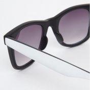خرید اینترنتی عینک آفتابی ریبن ویفری فریم سفیدRiver Island Wayfarer
