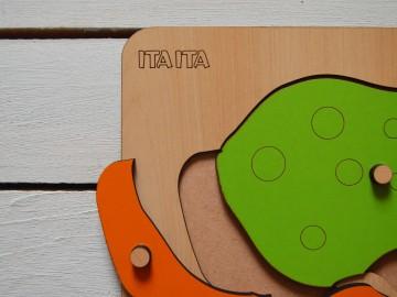 پازل چوبی قورباغه دکمه دار