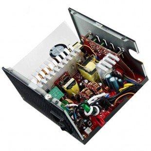 منبع تغذیه کامپیوتر نیمه ماژولار کولر مستر مدل V750S