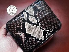کیف سیگار چرم طبیعی ظرفیت هشت نخ طرح پوست مار مدل inside black
