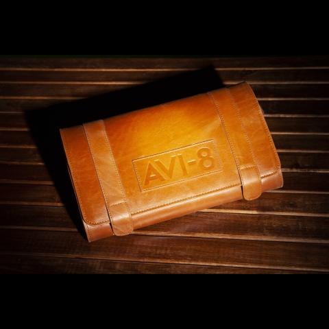 کیف کالکتور چرم برند AVI-8