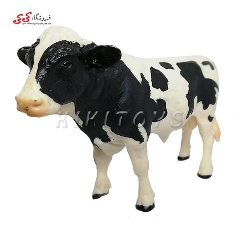 فیگور حیوانات گاو نر سیاه و سفید figure of cow