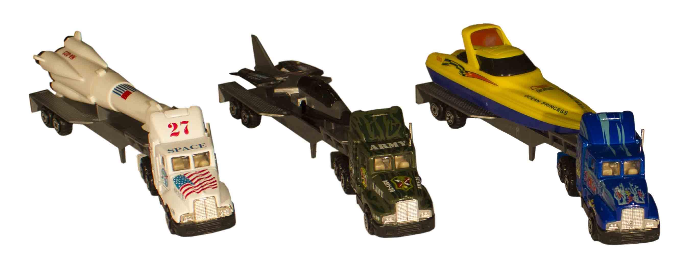 ست ماکت تریلی فلزی همراه با قایق اسباب بازی