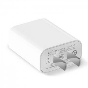 شارژر دیواری شیائومی مجهز به یک USB شارژ سریع مدل ZMi HA612