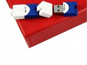 PNY Brick Attach 8GB flash memory