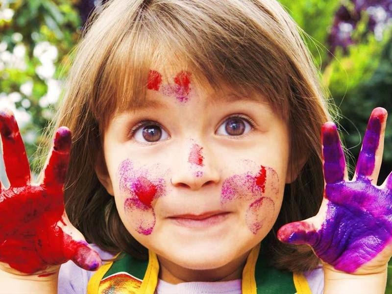 از کجا بفهمیم که فرزندمان در آینده هنرمند میشود؟