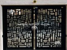 نمونه یک درب ساده و مدرن فلزی پایون مدل 056
