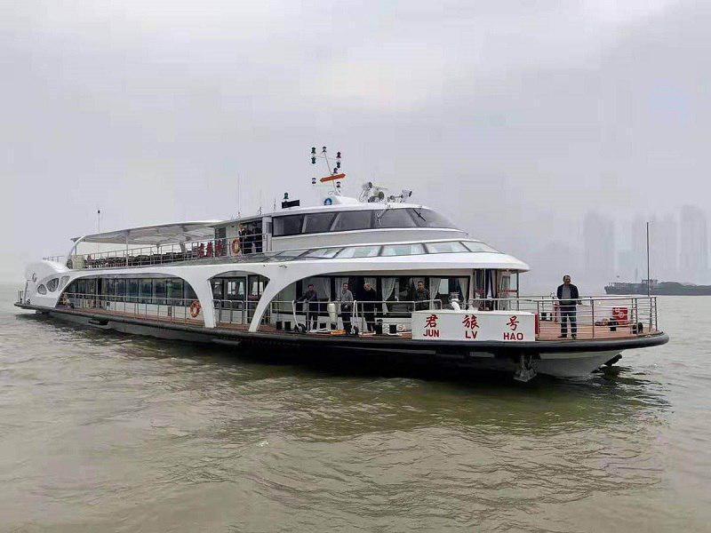 کشتی تمام برقی ساخت چین