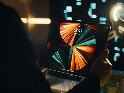 آیپد پرو 12.9 اینچ 2021 با مدل اول مجیک کیبورد سازگاری ندارد