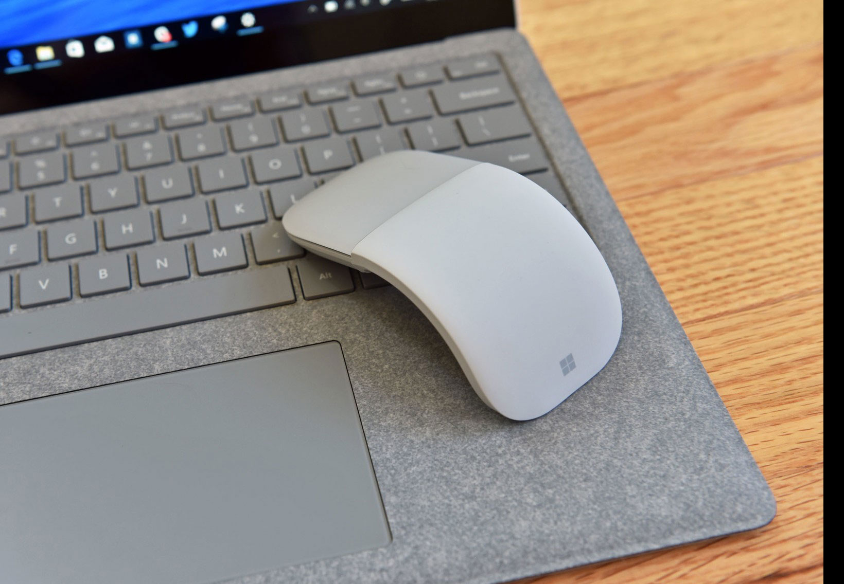 Microsoft Surface Arc 2017 Mouse