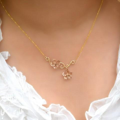 گردنبند طلای گل آوا