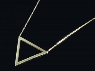 گردنبند مثلثی