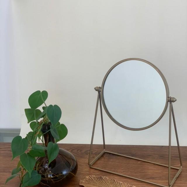 آینه  گرد رومیزی طرح سانا