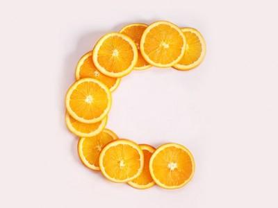 ۸ علامت کمبود ویتامین ث در بدن
