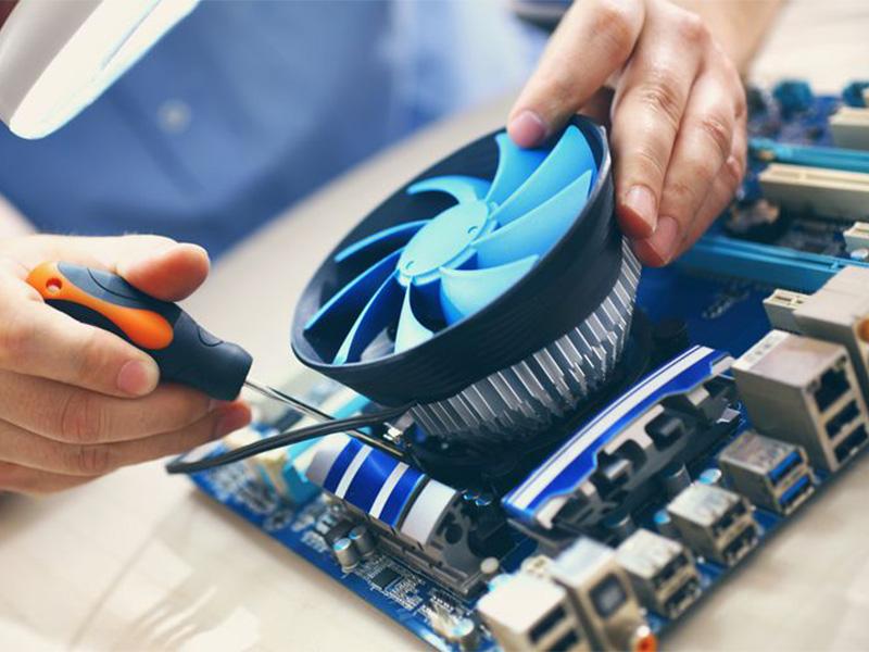بالا بردن عمر مفید لپ تاپ با استفاده از فن و خنک کننده