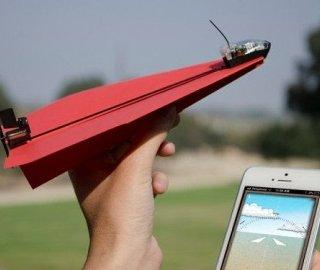 کنترل هواپیمای کاغذی دست ساز به کمک تلفن هوشمند