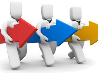تجزيه و تحليل رقبا و خط مشی های بازار های رقابتی