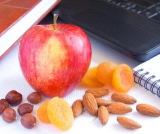 چه خوراکی هايی در محل کار بخوريم؟