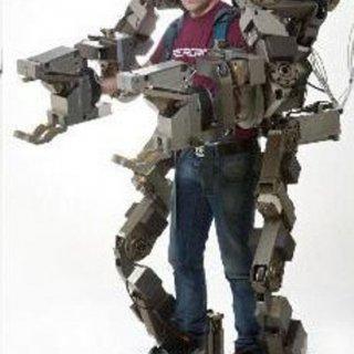 ساخت ربات پوشيدنی که شما را قادر میسازد با هر دست 50 کيلوگرم را بلند کنيد!